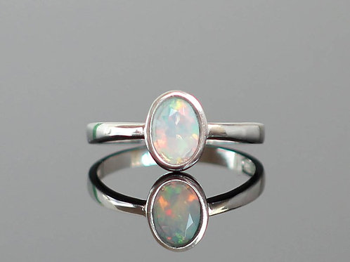 Astonishing 925 Sterling Silver with Natural Opal Ring