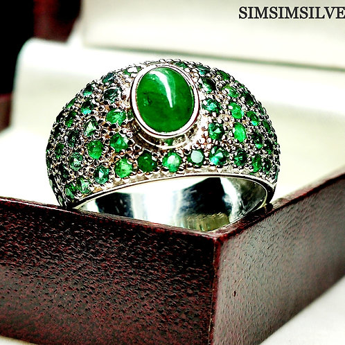 Astonishing Beautiful Ring with Natural Emeralds in 925 Sterling Silver