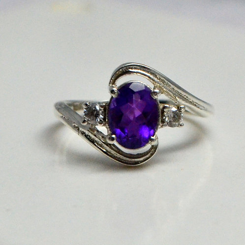 Beautiful Ring with Amethyst & Zircon in 925 Sterling Silver
