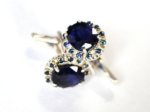 Stylish Natural Blue Sapphire Cuff-links in 925 Sterling Silver