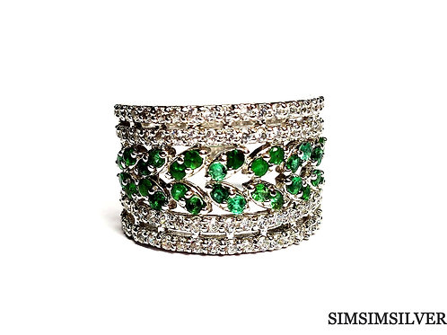 Charming Ring with Natural Emerald & Zircons in 925 Sterling Silver