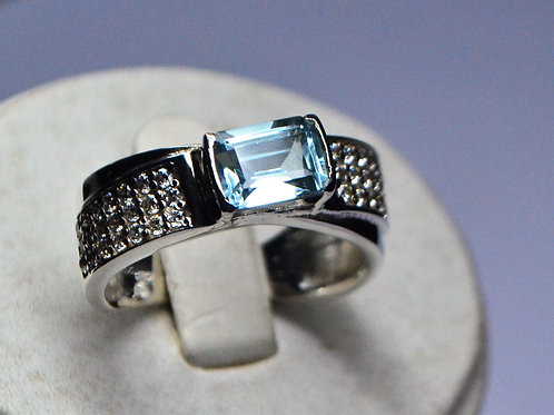 Good Quality Blue Topaz & CZ Men's Ring in 925 Sterling Silver