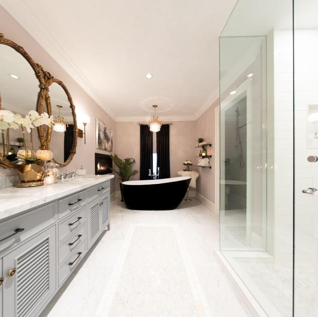 bathroomwide.jpeg