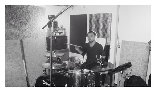 Cale, drums