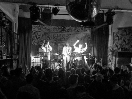 LIVE REVIEW - MANCHESTER DEAF INSTITUTE