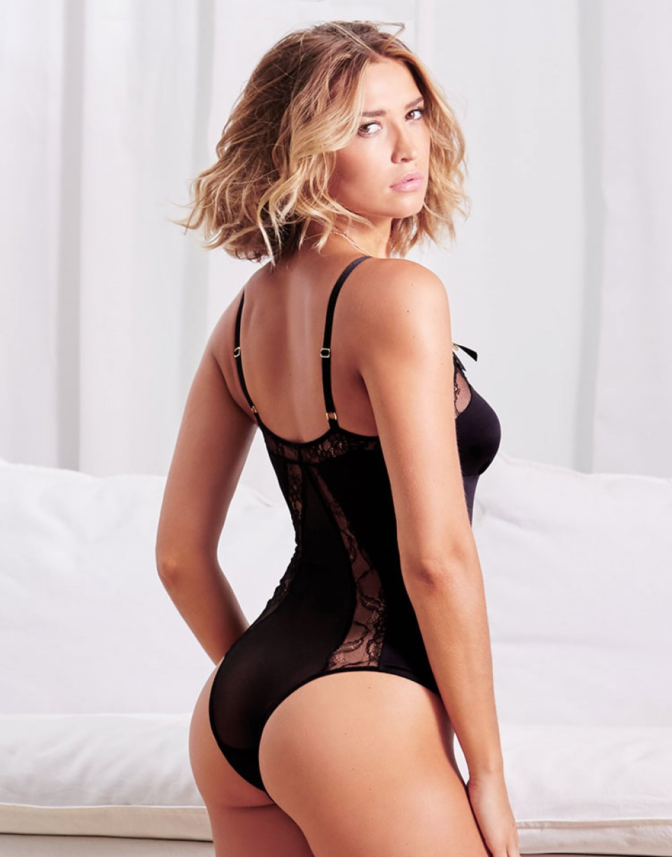 Adore-Me-lingerie-intimates-Kristen-Ande