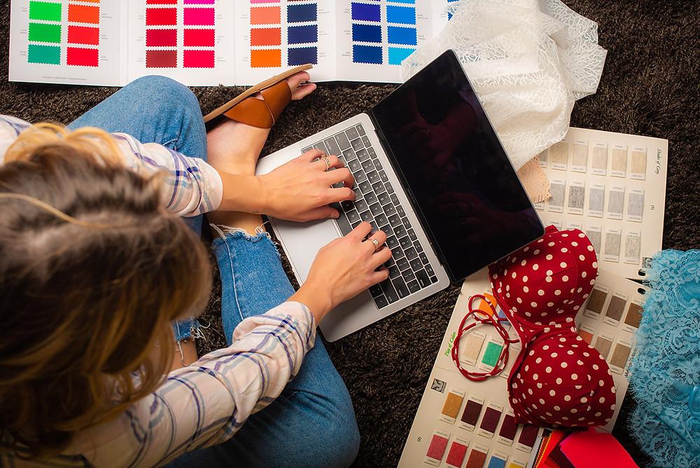 how to find the best freelance fashion designer