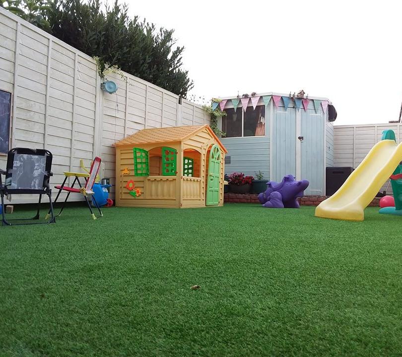 דשא סינטטי 2.jpg