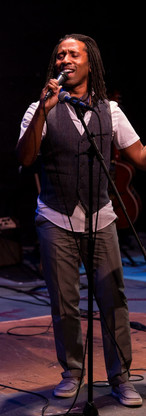 """In a Graham-A-Rama at Capital Stage in Sacramento, singing """"Zipperfly"""" by Marc Blitzstein"""