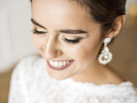 How to hire a Wedding Makeup Artist (and the 17 essential questions you need to ask!)