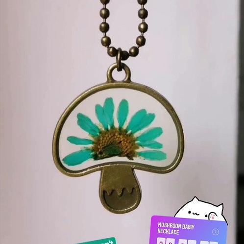 Mushroom daisy necklace