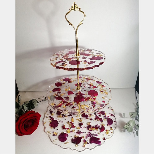 Dried Rose petals and gold cake stand