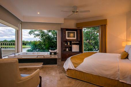 Golf-Junior-Suite-Moon-Palace-Cancun.jpg
