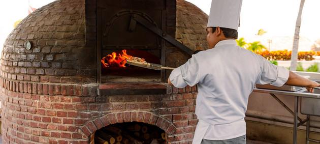 poolside-wood-oven-pizzas.jpg