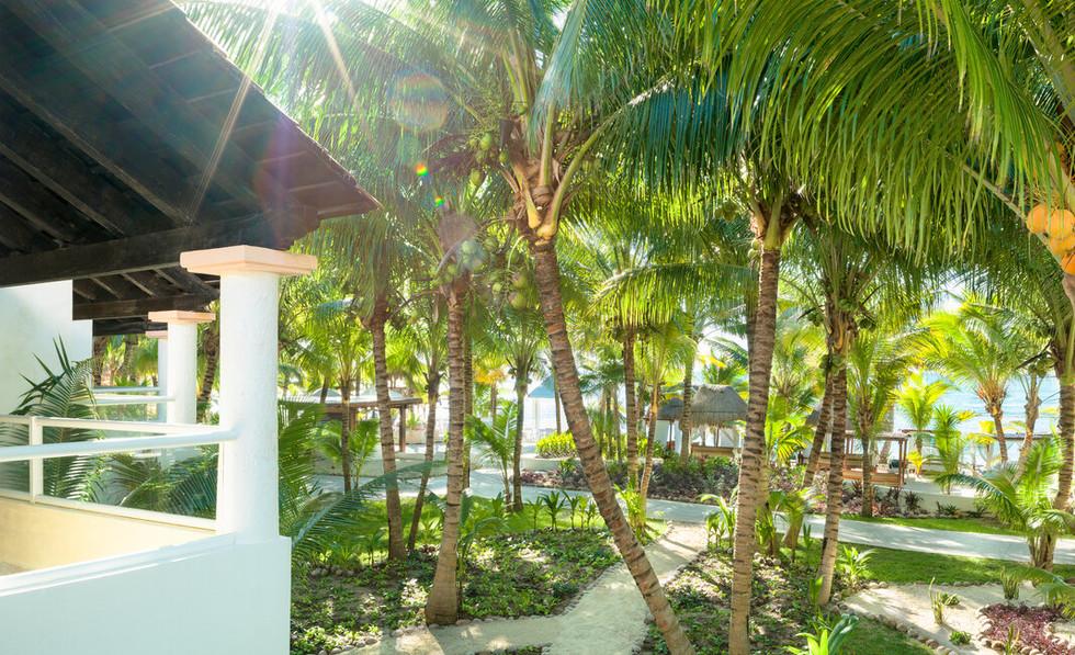 Beachfront Jacuzzi Suite exterior.jfif
