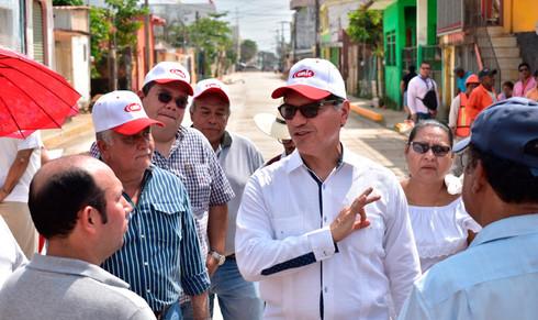 Recorre Carranza Rosaldo obras en la colonia López Mateos