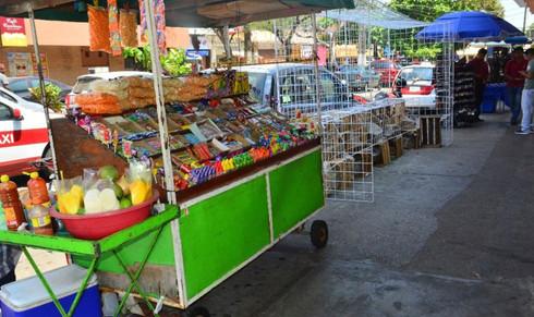 Frenan invasión de ambulantes en centro de Coatzacoalcos