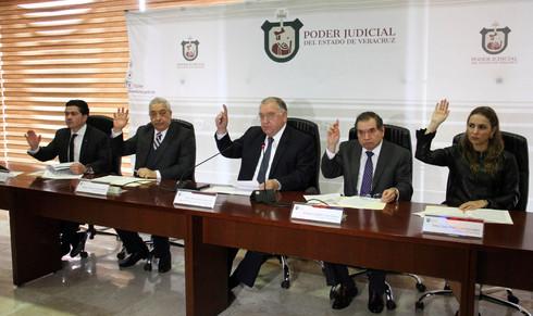 Se amparan contra reducción de salarios magistrados del Poder Judicial de Veracruz