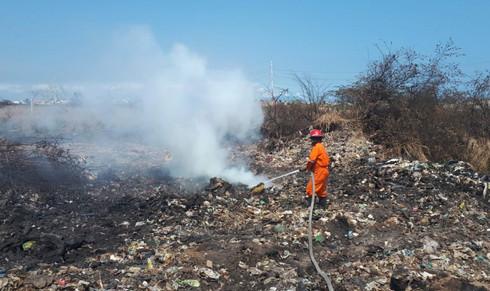 Queda completamente sofocado incendio del exbasurero de Coatzacoalcos