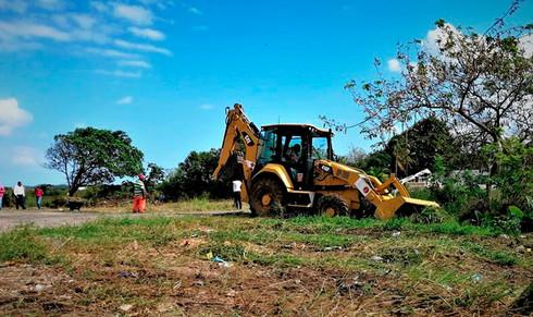 Obras Públicas envió maquinaria pesada a Mundo Nuevo