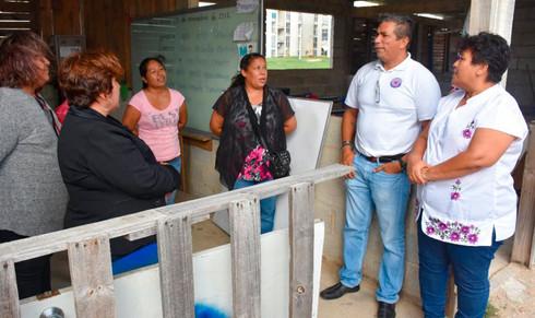 Escuela 'Francisco H. Santos' recibe material y mobiliario