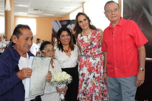 Legalizan su unión 389 parejas en el programa de Bodas Colectivas 2019
