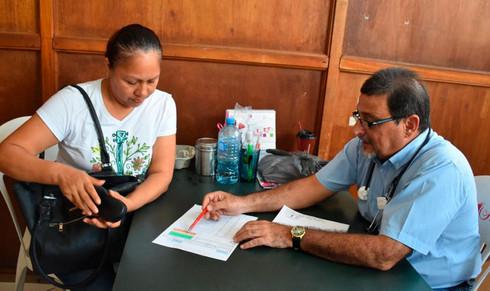Reciben donación de medicamentos en dirección de Salud Pública Municipal