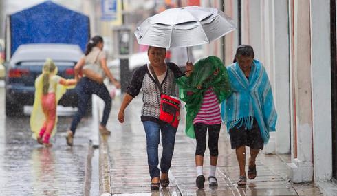 ¡No bajen la guardia! Se esperan lluvias intensas para Veracruz por Frente Frío