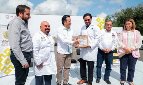 Entrega Gobernador más de 3 mdp en medicamentos a Hospital Regional de Poza Rica