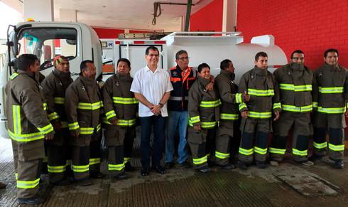 Entregan equipo de protección a Bomberos de Coatzacoalcos