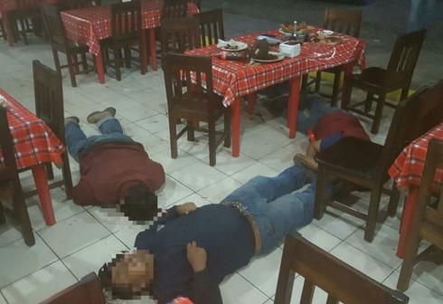 Ejecutan a cuatro en restaurante de Sayula