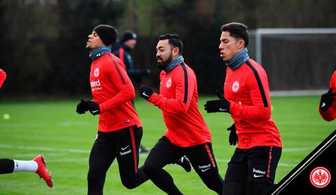 Marco Fabián ya entrena junto a Salcedo con el Eintracht