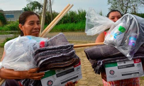 Gobierno Municipal sigue entregando apoyos a damnificados
