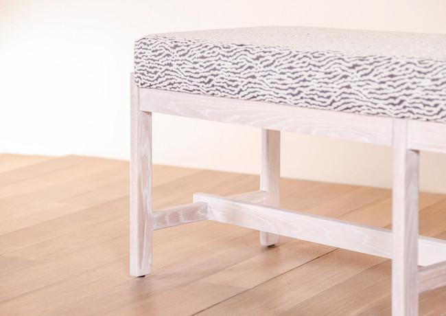 thomas_hayes_the_basic_bench_wood_uphols