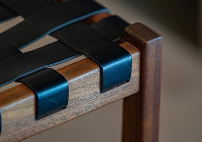 thomas_hayes_the_strap_stool_wood_sculpt