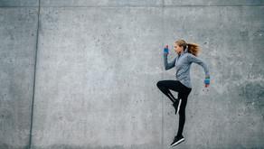 Intervalle beim Spazieren sorgen für Abwechslung, schnelle Figur-Erfolge und mehr Energie.