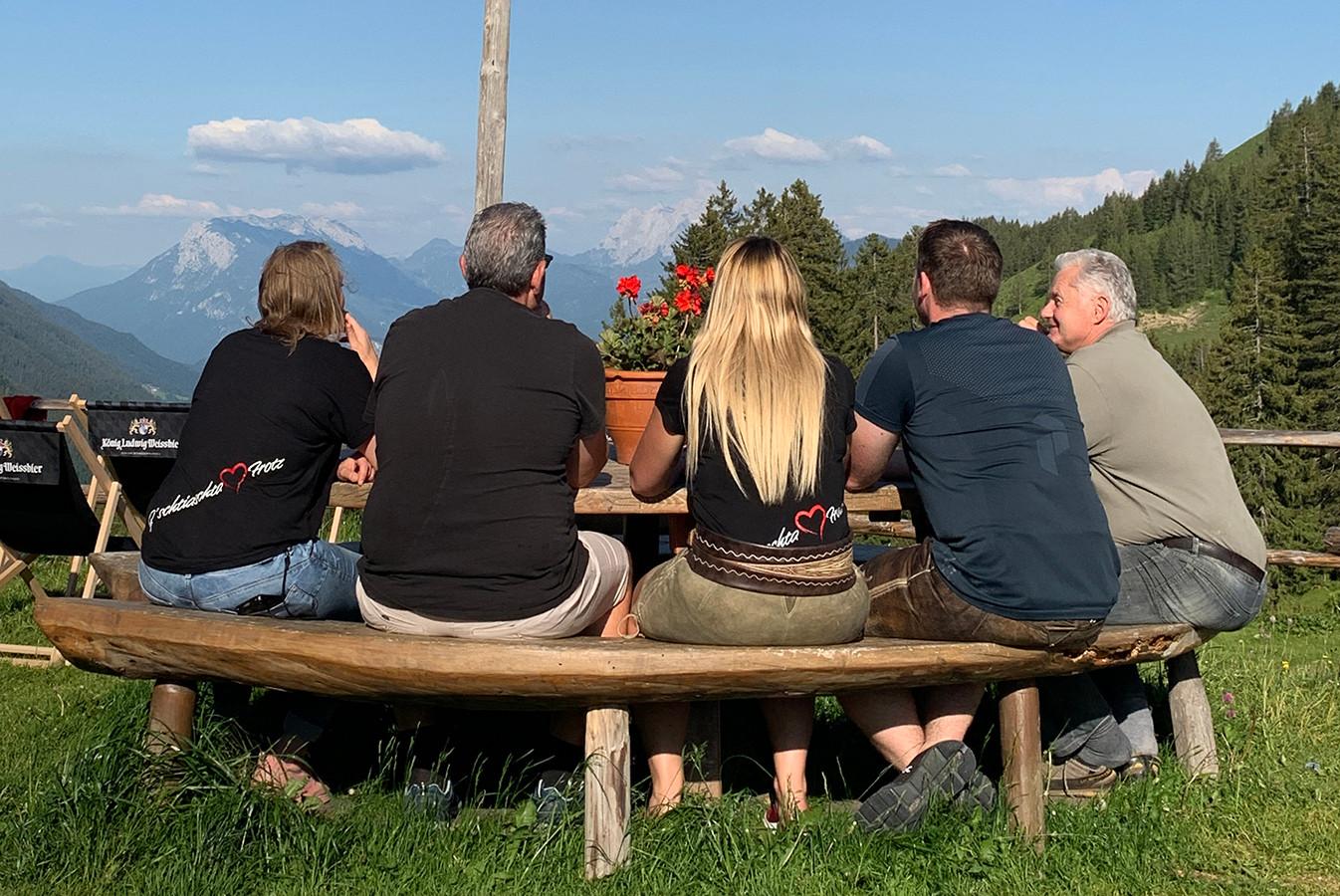 Family_outside2.jpg