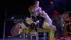 """Статья о премьере sound-драмы """"Записки сумасшедшего"""". Сумасшедшие «Пилигримы»: садитесь в центре."""