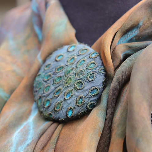 Felted Silk Dots Magnet Button