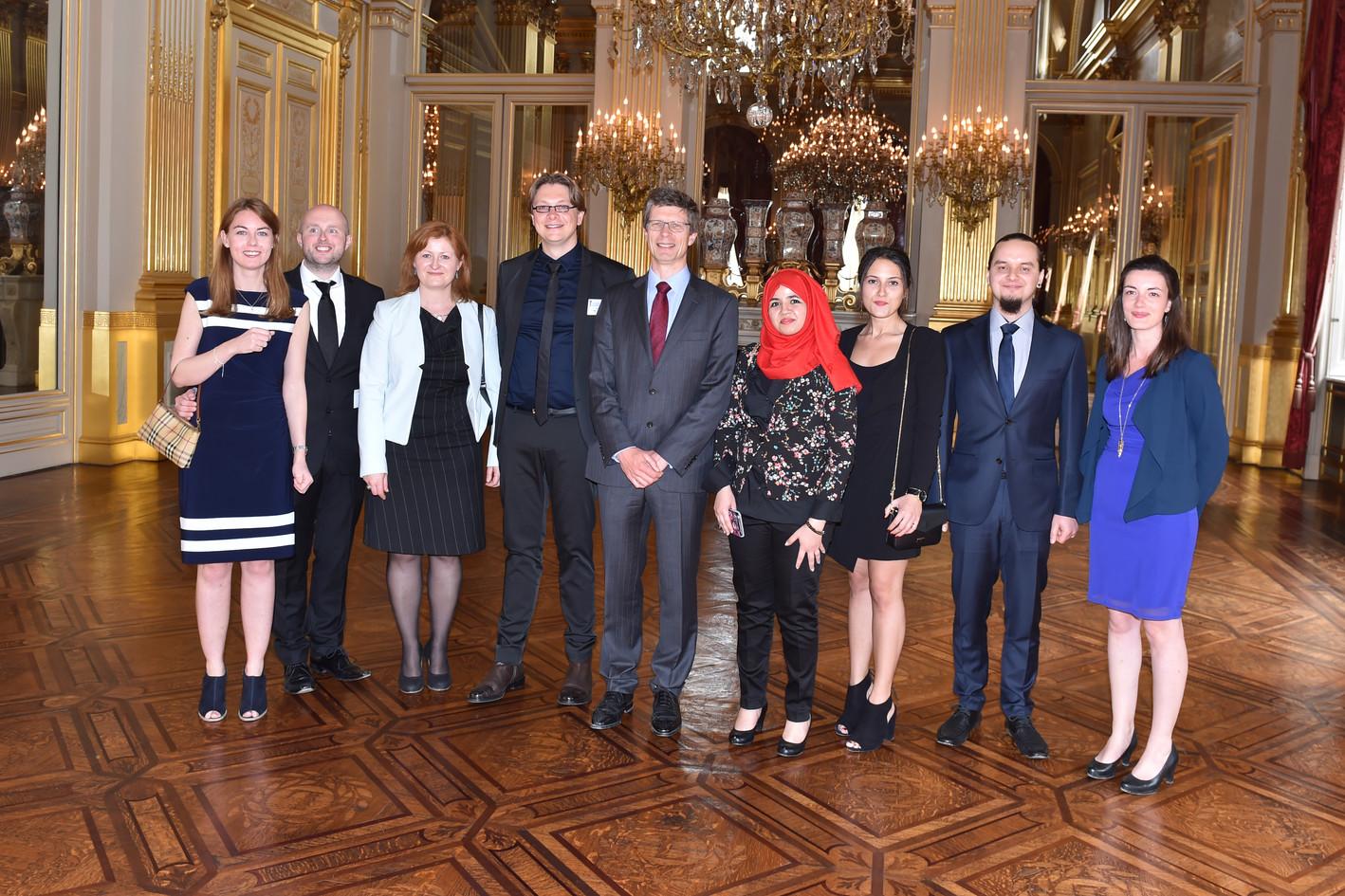 Peter receives award at the Royal Palace