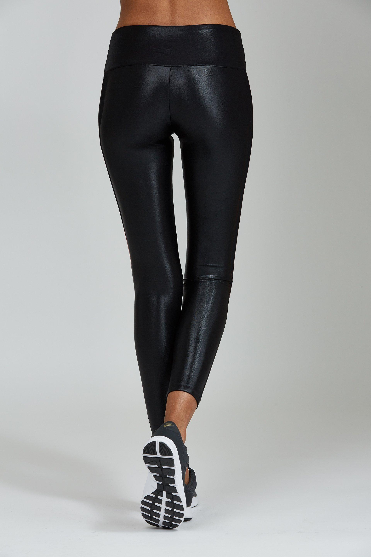 621c678bbe Black Liquid Legging - Noli Yoga - Studio 128