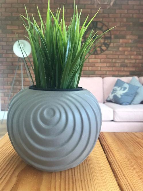 Price and Coco Interiors Gray Swirl Plant Pot