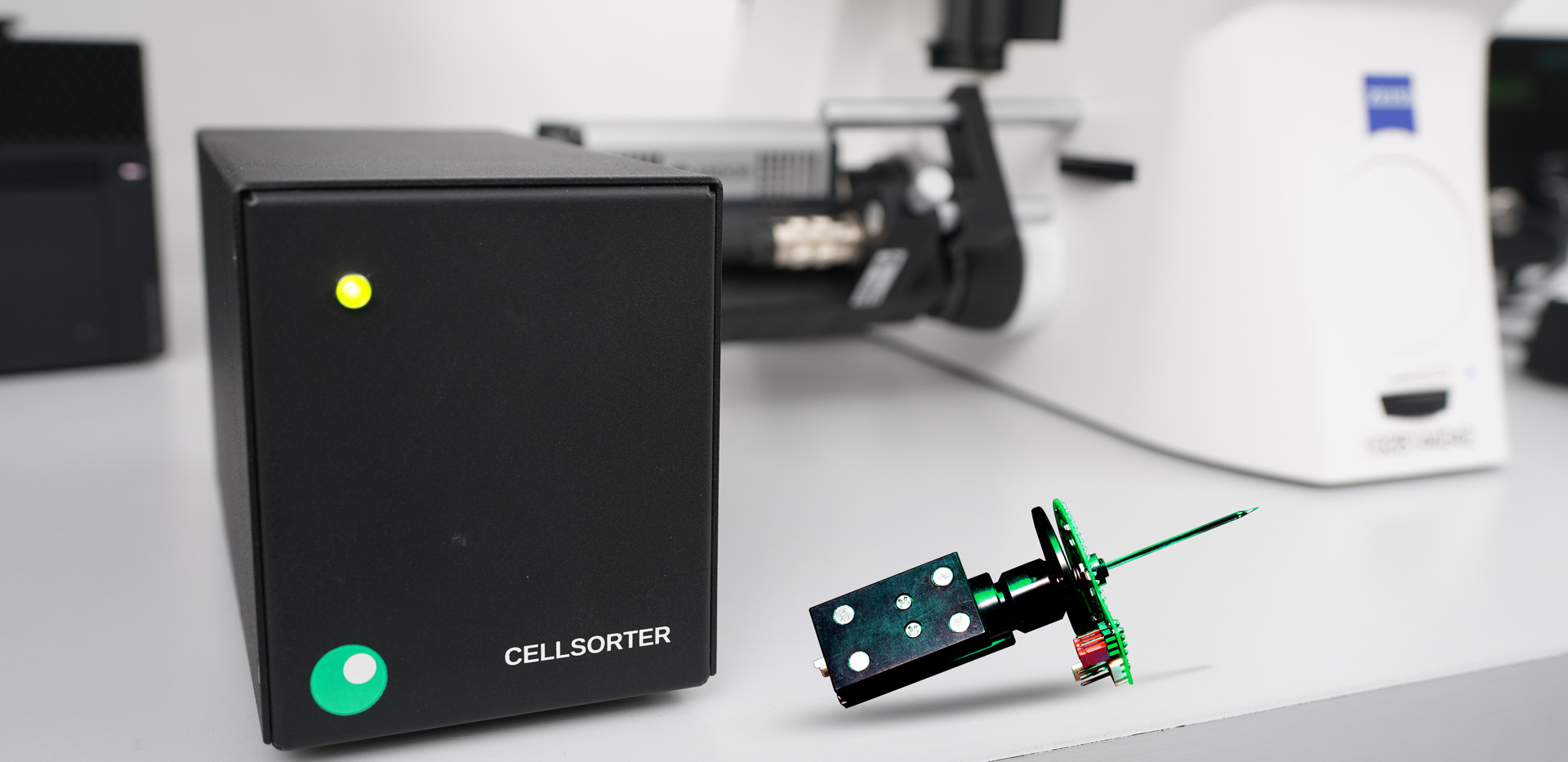 CellSorter Piezo Head with Control Unit.jpg