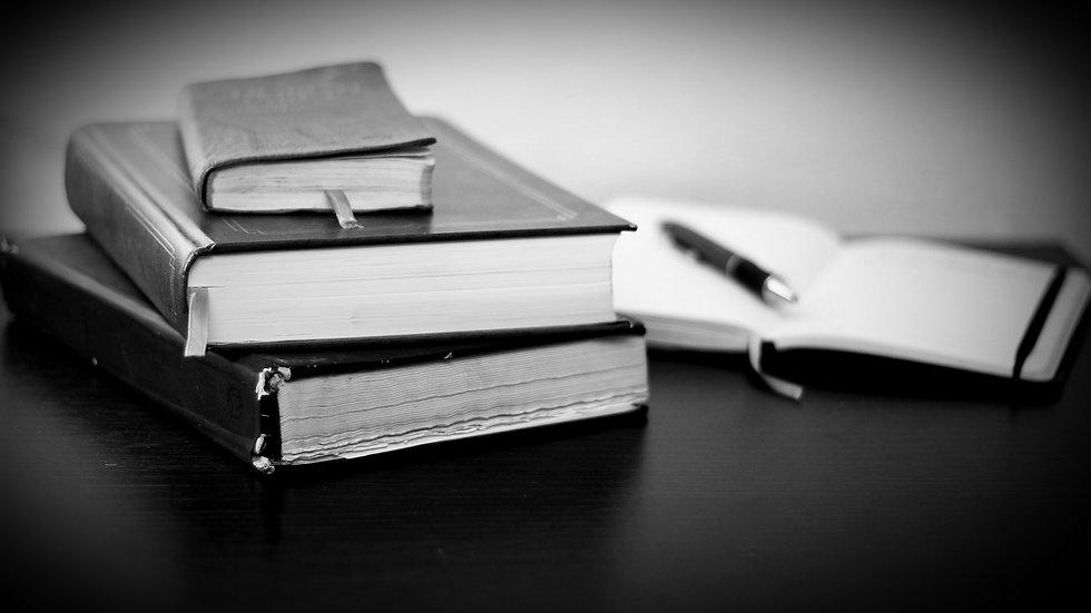 Books%2520on%2520the%2520Desk_edited_edi