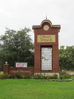 Ocean Springs Gateway Monument
