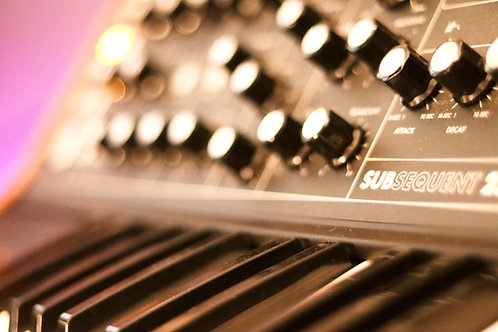 Keyboard / Synth recording session (basic up to 8 audio/midi tracks) per song