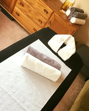 Massage Couch and towels