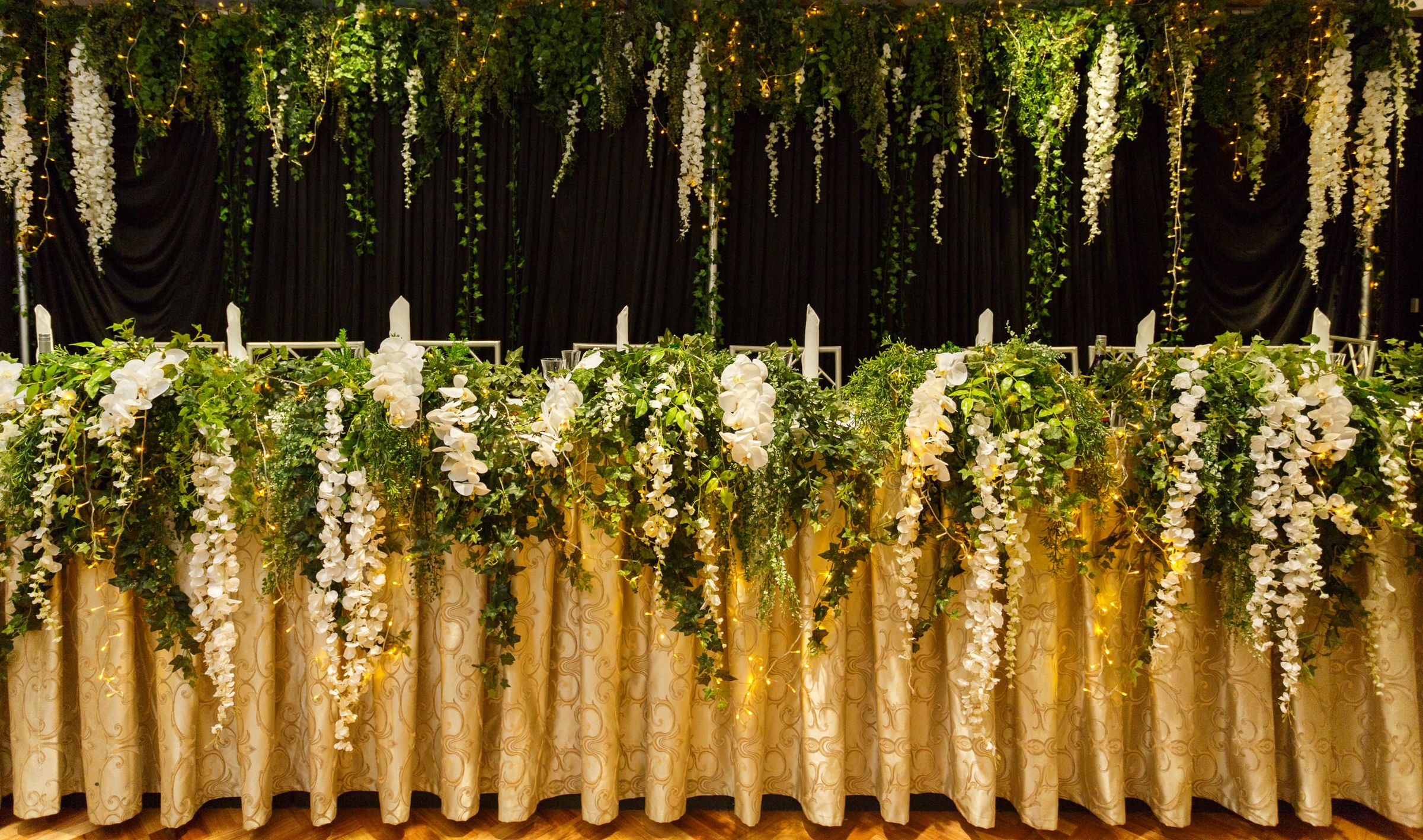 Bridal Table Backdrop & Cascading Table Runner