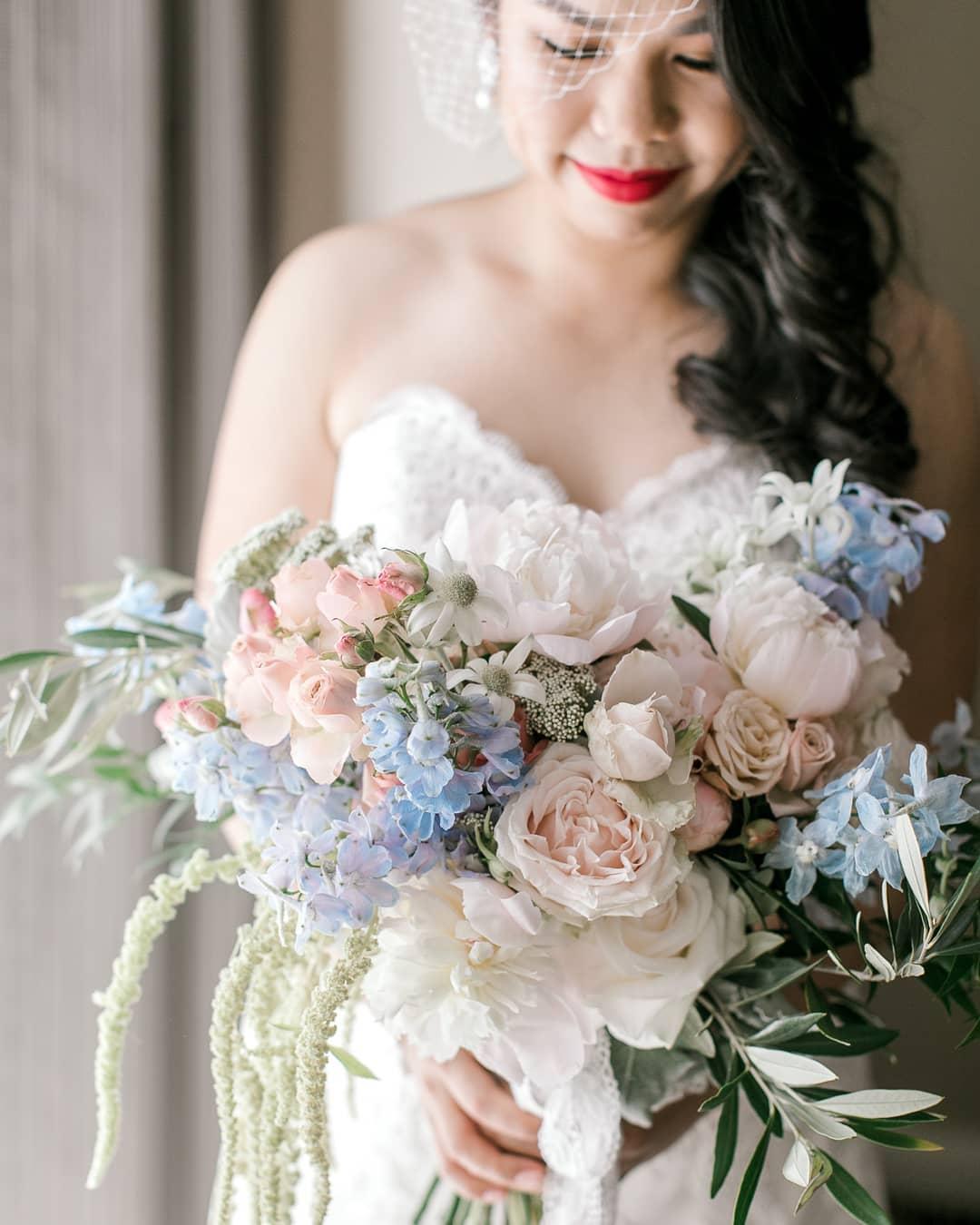 Annie Bouquet_Clarzzique_CaptivateByElli