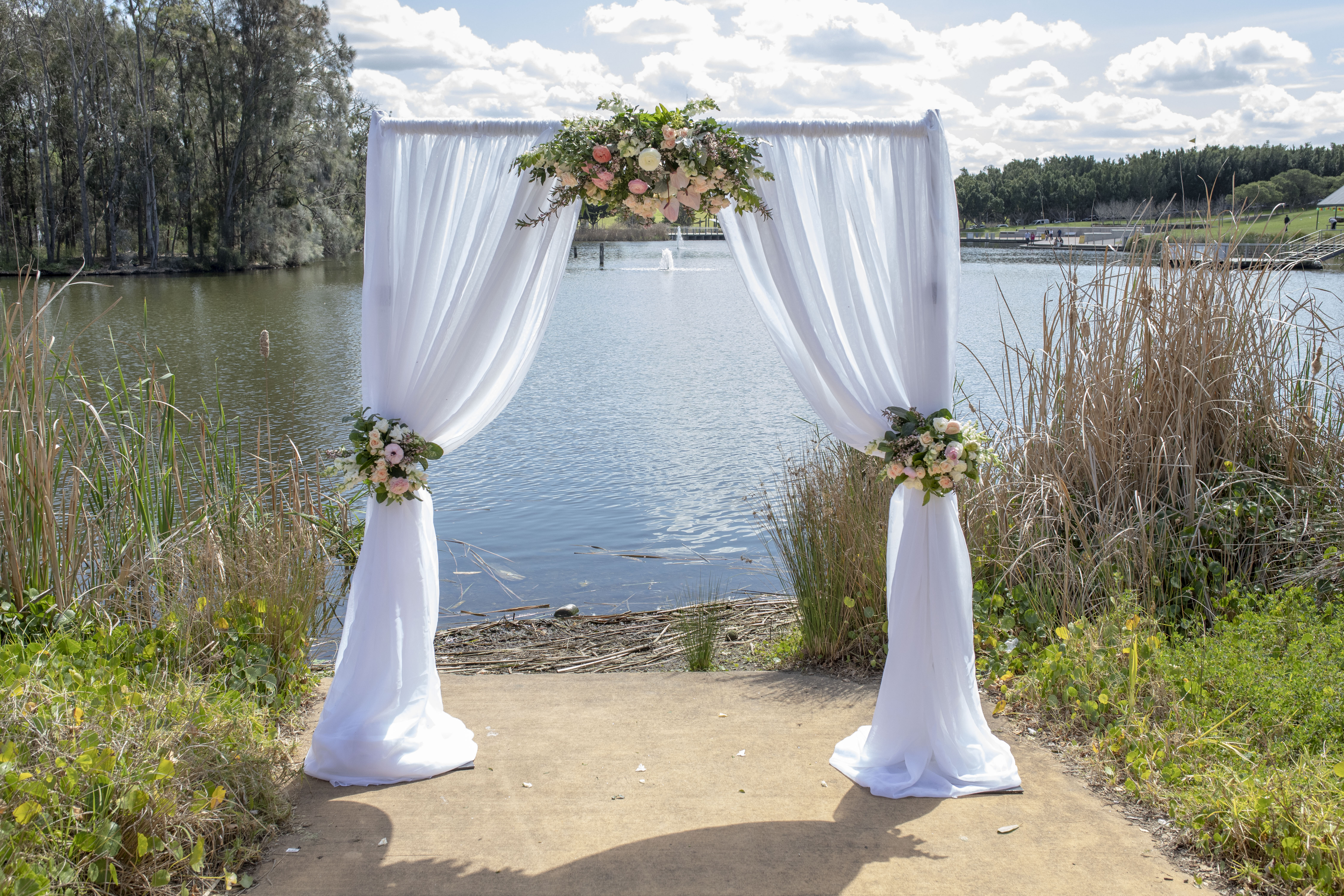 Marian & Brian Ceremony Arch (2)